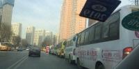 西安加气难仍在持续 临潼加气站拒绝给西安出租车加气 - 西安网