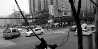 西安电子正街电缆垂落有隐患 - 三秦网