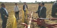 渭南市开展玉米秸秆捡拾打捆技术示范 - 农业机械化信息
