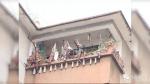 居民称对面楼妖气重 在阳台挂上百面镜子 - 西安网